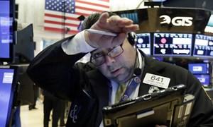 Chứng khoán Mỹ bất ngờ bị bán tháo, nhà đầu tư đang tìm nguyên nhân
