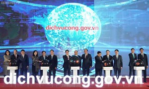 Chính phủ quyết liệt triển khai dịch vụ công trực tuyến