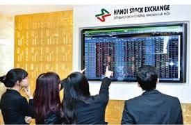Thị trường khó khăn, công ty chứng khoán tung bài giành giữ khách hàng