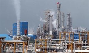 Giá dầu thị trường thế giới giảm xuống mức thấp nhất trong 9 năm