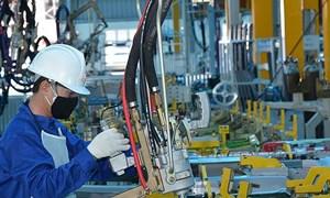 ADB: Thế giới bất ổn và vấn đề tăng trưởng kinh tế của Việt Nam
