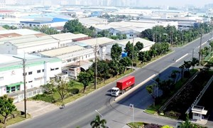 Ồ ạt nguồn vốn đầu tư từ Trung Quốc, Hồng Kông