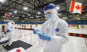Canada đầu tư 780 triệu USD để nghiên cứu vắcxin và điều trị COVID-19