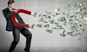 Nhà đầu tư đứng giữa lòng tham và sợ hãi