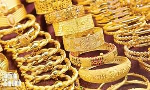 Giá vàng hôm nay 30/4: USD biến động kỷ lục, vàng tụt giảm