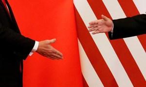 Chứng khoán Trung Quốc đỏ lửa vì dòng tweet của ông Trump