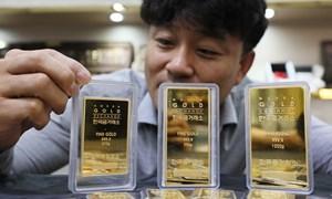 Giá vàng ở thị trường châu Á áp sát mức cao nhất trong gần 8 năm