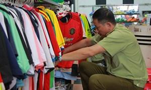 Hà Nội: Thu giữ lượng lớn sản phẩm 'nhái' nhãn hiệu ADIDAS