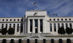 Fed đau đầu vì số liệu việc làm tích cực đến đáng ngờ