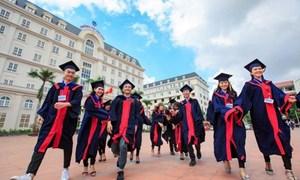 Học phí đại học ở Việt Nam: Cao hay thấp?