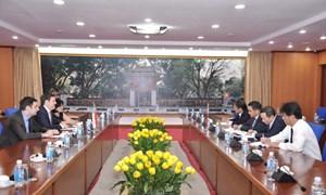 Thứ trưởng Trần Xuân Hà làm việc với Đại sứ Ba Lan