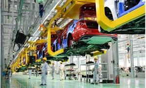 Xe ô tô sản xuất trong nước được giảm 50% mức thu lệ phí trước bạ