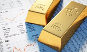 Giá vàng khép lại tháng Bảy