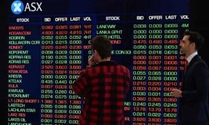 Nhà đầu tư tiến thoái lưỡng nan: Tiếp tục nắm giữ hay chốt lời