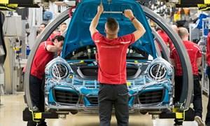 Tổng thống Trump đe dọa đánh thuế ô tô từ châu Âu để