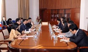 Bộ trưởng Đinh Tiến Dũng làm việc với Cơ quan Giám sát dịch vụ tài chính Hàn Quốc