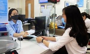Các ngân hàng tiếp tục giảm lãi suất tiết kiệm