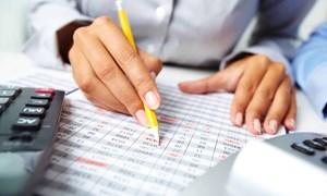 Các nhân tố tác động đến chất lượng báo cáo tài chính của doanh nghiệp niêm yết