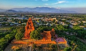Tác động của đầu tư công đến thu hút các thành phần kinh tế ngoài nhà nước đầu tư vào Ninh Thuận