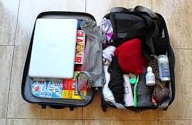 Xách hộ hành lý máy bay, coi chừng