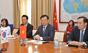 Chia sẻ kinh nghiệm quản lý tài chính giữa Việt Nam và Hàn Quốc
