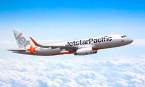 Jetstar đổi hướng, ngừng khai thác nhiều chuyến bay do ảnh hưởng bão số 8