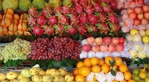 Giá trái cây tăng giảm thất thường do hạn hán