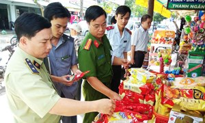 Siết chặt công tác kiểm soát vệ sinh an toàn thực phẩm trong dịp Tết