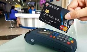 Ngân hàng Nhà nước 'tuýt còi' hành vi rút tiền mặt trái qui định từ thẻ tín dụng