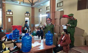Đình chỉ doanh nghiệp sản xuất nước rửa tay giả