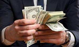 6 dấu hiệu bạn đang tiêu tiền nhiều hơn khả năng