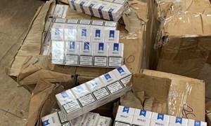 Phát hiện hơn 12.000 bao thuốc lá nhập lậu từ Dubai về sân bay Nội Bài