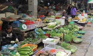 Hàng hóa, thực phẩm thiết yếu đầy đủ, người dân không còn tích trữ
