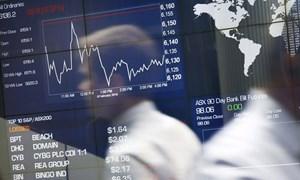 Các ngân hàng trung ương lớn tung kích thích, chứng khoán châu Á giảm