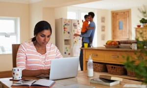 Cách làm việc tại nhà giúp phụ huynh khỏi
