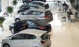 Ô tô đua nhau giảm giá hàng trăm triệu đồng
