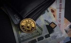Lao dốc tự do, Bitcoin mất mốc 6.000 USD