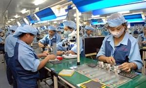 Xử phạt doanh nghiệp tạm đình chỉ công việc của người lao động trái quy định