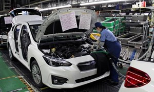 Mỹ – Nhật đối đầu gay gắt về vấn đề thuế với ô tô
