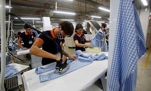 """Hàng xuất khẩu vào Mỹ tăng vọt, Việt Nam có thể """"soán ngôi"""" nhiều nước lớn"""