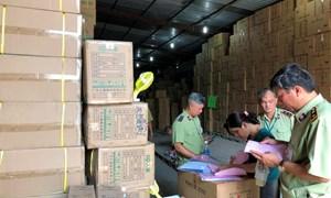TP. Hồ Chí Minh triệt phá các cụm kho hàng lậu