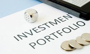 Thị trường chứng khoán lao dốc: Nhà đầu tư nên làm gì?