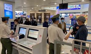 Hạn chế tối đa chuyến bay thương mại từ các tỉnh, thành đang thực hiện Chỉ thị 16 về Hà Nội