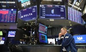 Chứng khoán Mỹ tăng cao kỷ lục trong khi lợi suất trái phiếu giảm