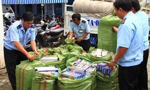 Cần có chế tài xử phạt nghiêm hành vi kinh doanh, bày bán thuốc lá nhập lậu công khai