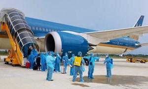 Khôi phục bay thương mại thường lệ: Chưa cho phép khách du lịch nhập cảnh
