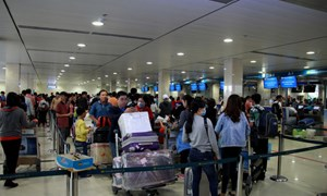 Từ 1/10, sân bay Tân Sơn Nhất chuyển đổi phương thức thông báo lịch bay