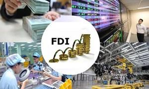 """""""Giữ chân"""" dòng vốn FDI"""