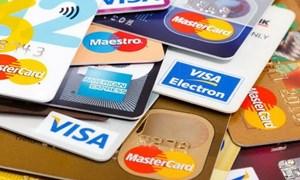 Chủ thẻ tín dụng sắp được miễn, giảm lãi suất, phí... theo tiêu chí nào?