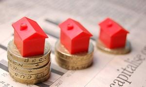 Có nên đổ tiền vào cổ phiếu bất động sản thời gặp khó?